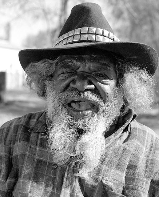 Portrait of Ronnie Tjampitjinpa